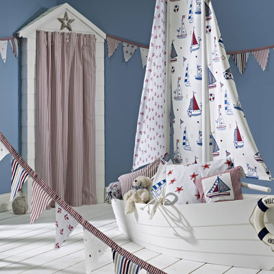 curtains and duvet covers for kids rooms in stripe fabrics